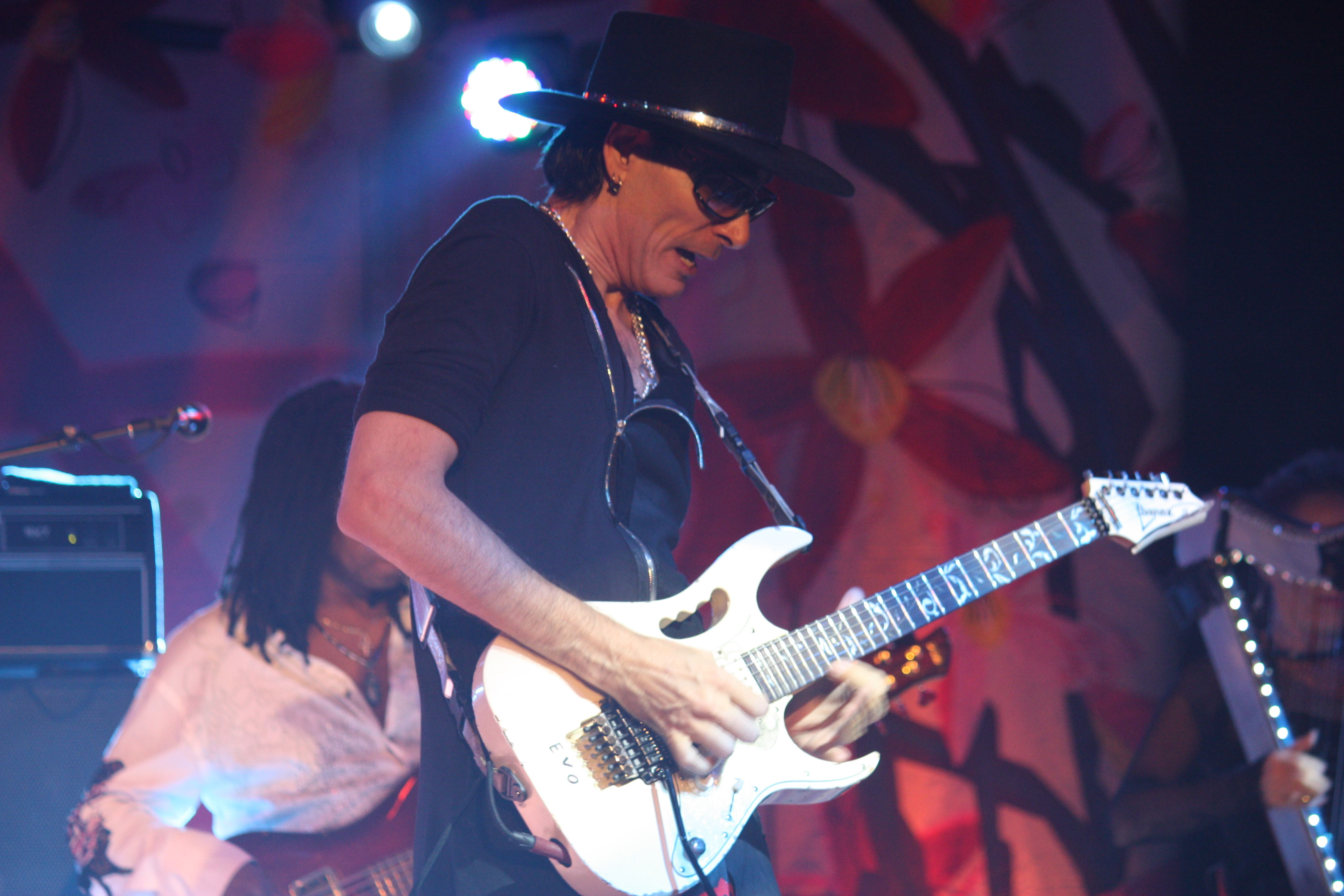 Steve Vai Live Show Review Manta Ray Pictures Tendencies Tshirt Troopers Hitam L Vai1