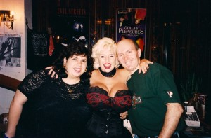 Paula Wickham, SaRenna Lee and Terry had a great time @ Chiller Theatre Convention 1998